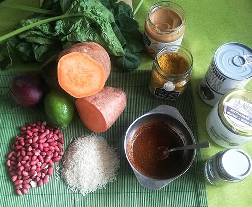 Продукти за рецепта със сладък картоф и къри