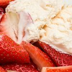 Ягодов веган сладолед
