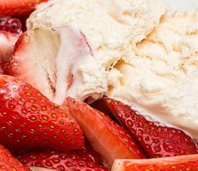 Веган сладолед - ягодов, а може да го направите и с други плодове